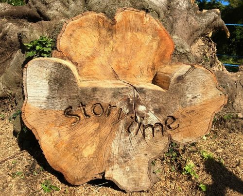 storytelling-storytime-wooden-chair