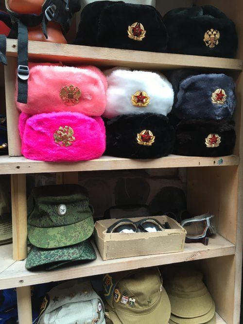 winter-hats-izmailovo